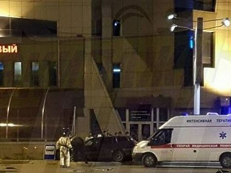 ВоВладивостоке шофёр иномарки столкнулся сподземным переходом