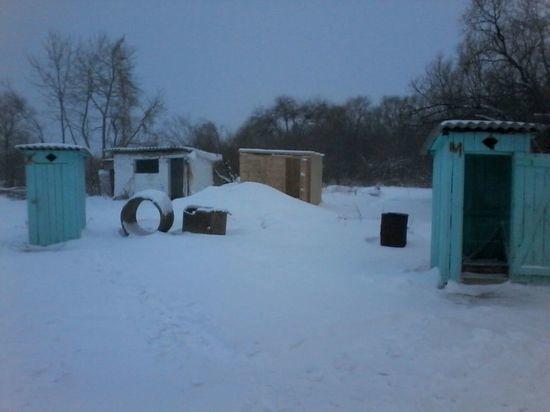 Как 60 учеников и 17 сотрудников сельской приморской школы выживают зимой