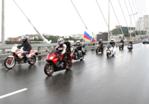 На байках под флагом России